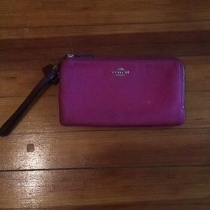 Coach 2-tone berry wallet